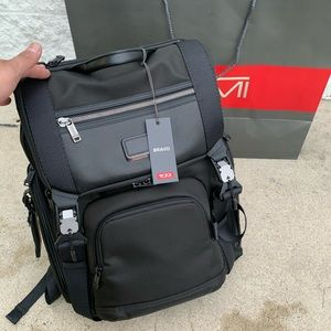 Tumi backpack 🎒& Wallet